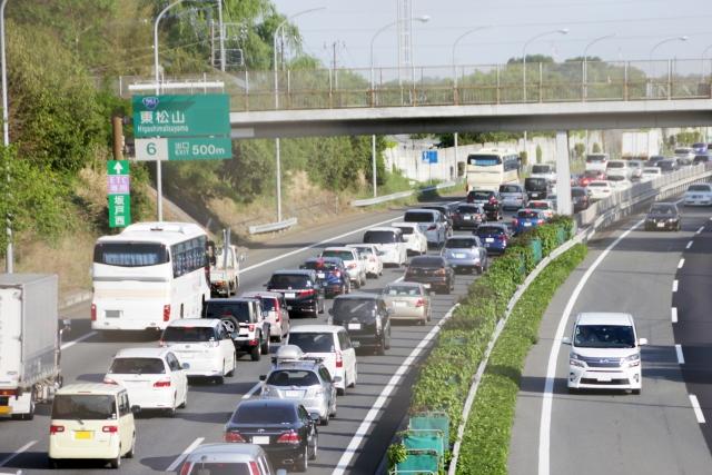 渋滞 高速 車