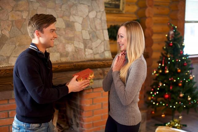 【クリスマスプレゼント】大切な女性へ贈るアクセサリーおすすめ20選!彼女が絶対喜ぶ人気アクセサリーまとめ