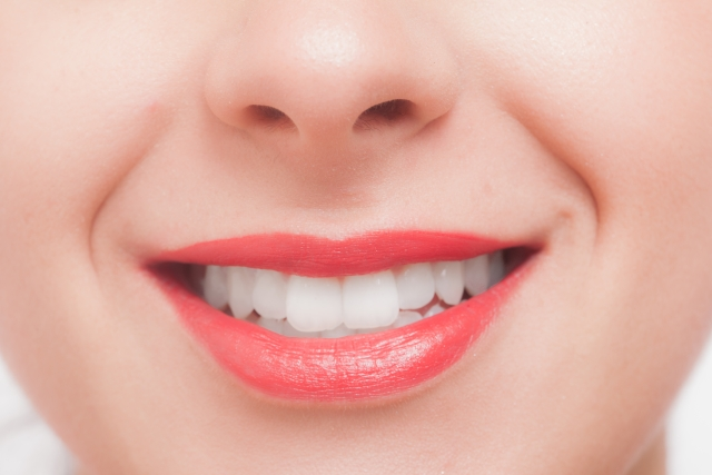 ホワイトニング 白い歯
