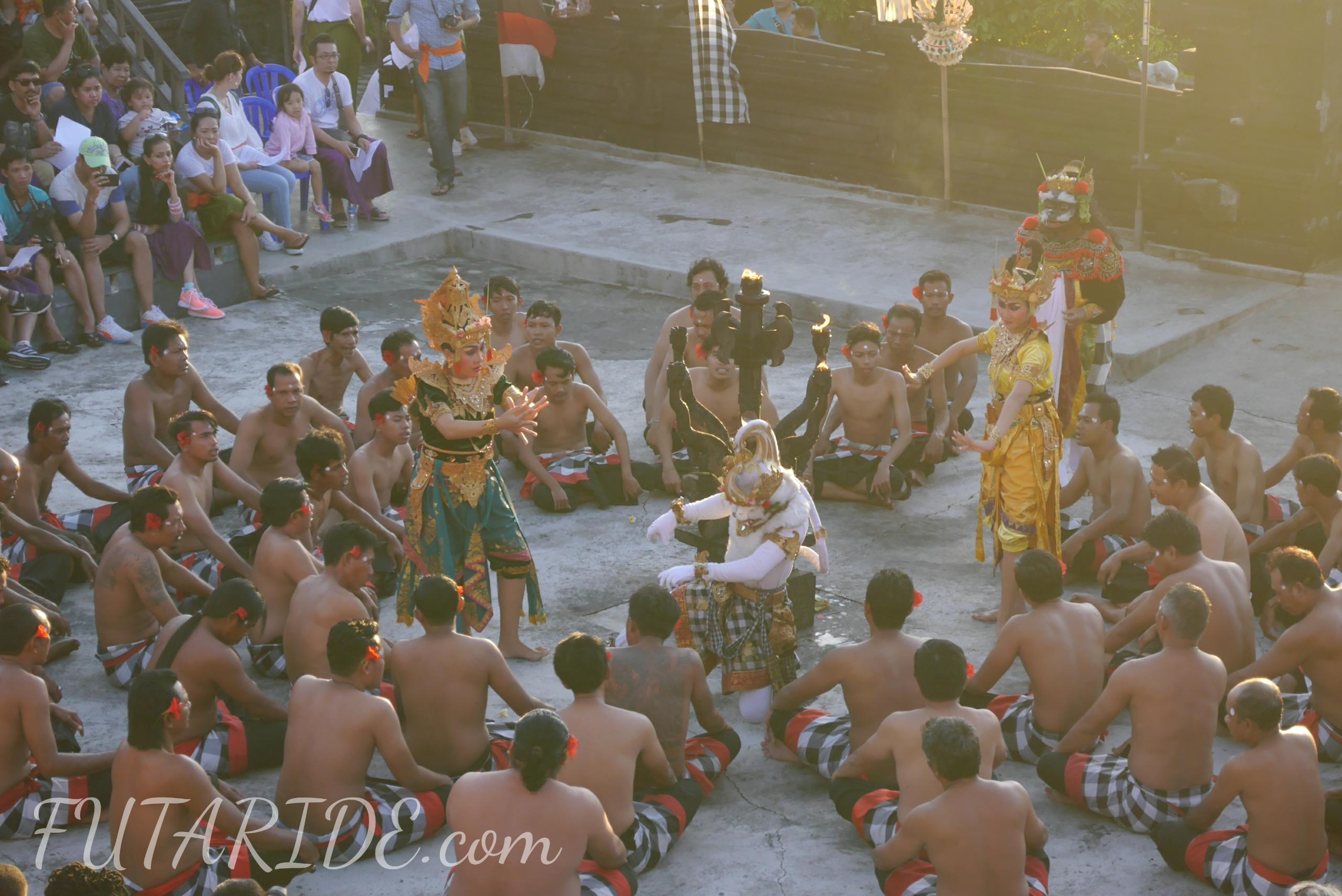 【ケチャダンス】バリ観光のマスト!ケチャックダンスの見所と攻略ポイント【ウルワツ寺院】